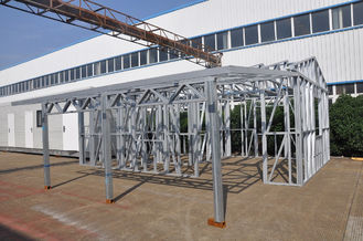 China Metallauto-Hallen-Licht-Stahlrahmen verschüttet feuchtigkeitsfesten starken Rahmen mit einer Lagerung fournisseur