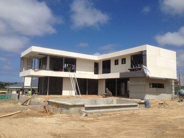 2 Geschichte, Flachdach, Uruguay fabrizierten helles Stahlhaus, Licht-Stahlfeld-Häuser vor